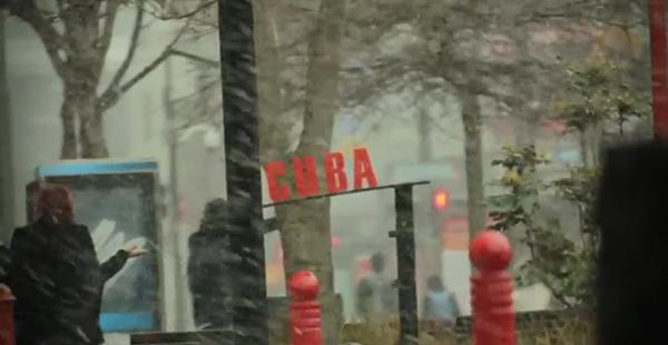 """Un Vídeo Emotivo Donde Se Ve Nevar En El Centro Comercial """"Cuba"""", En Wellington, Algo No Muy Común"""